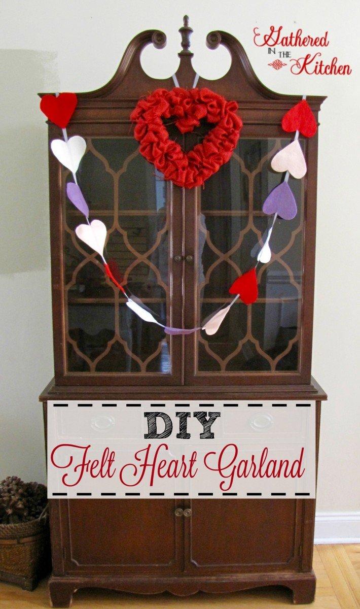 diy felt heart garland for Valentines Day