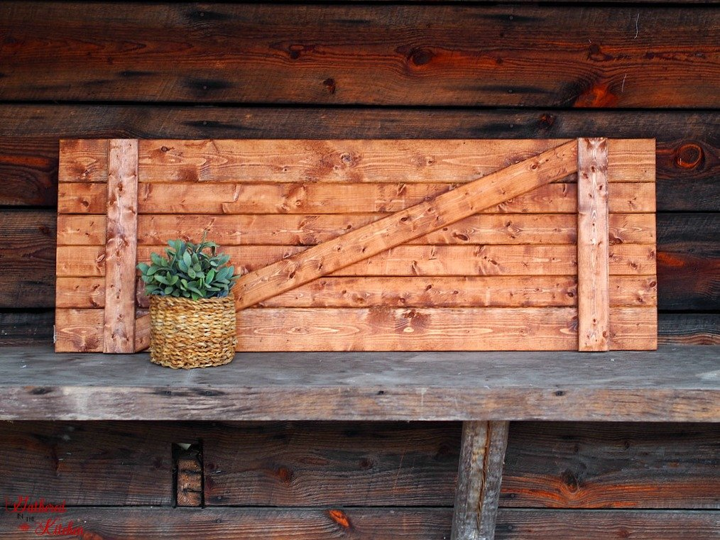DIY Barn Door Under $10 in 30 Minutes - easy weekend project for the beginner! Get that farmhouse look you love!
