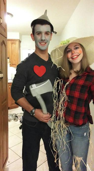 Couples Halloween Costumes: Wizard of Oz Tin Man & Scarecrow