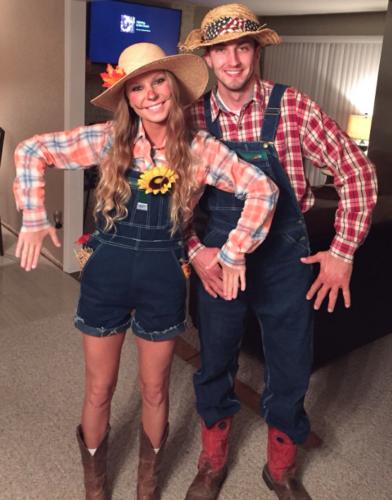 Couples Halloween Costumes: Scarecrows