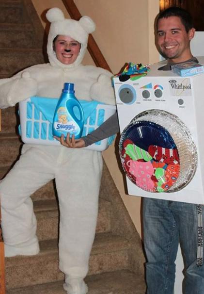 Couples Halloween Costumes: Snuggle Laundry Detergent & Washing Machine
