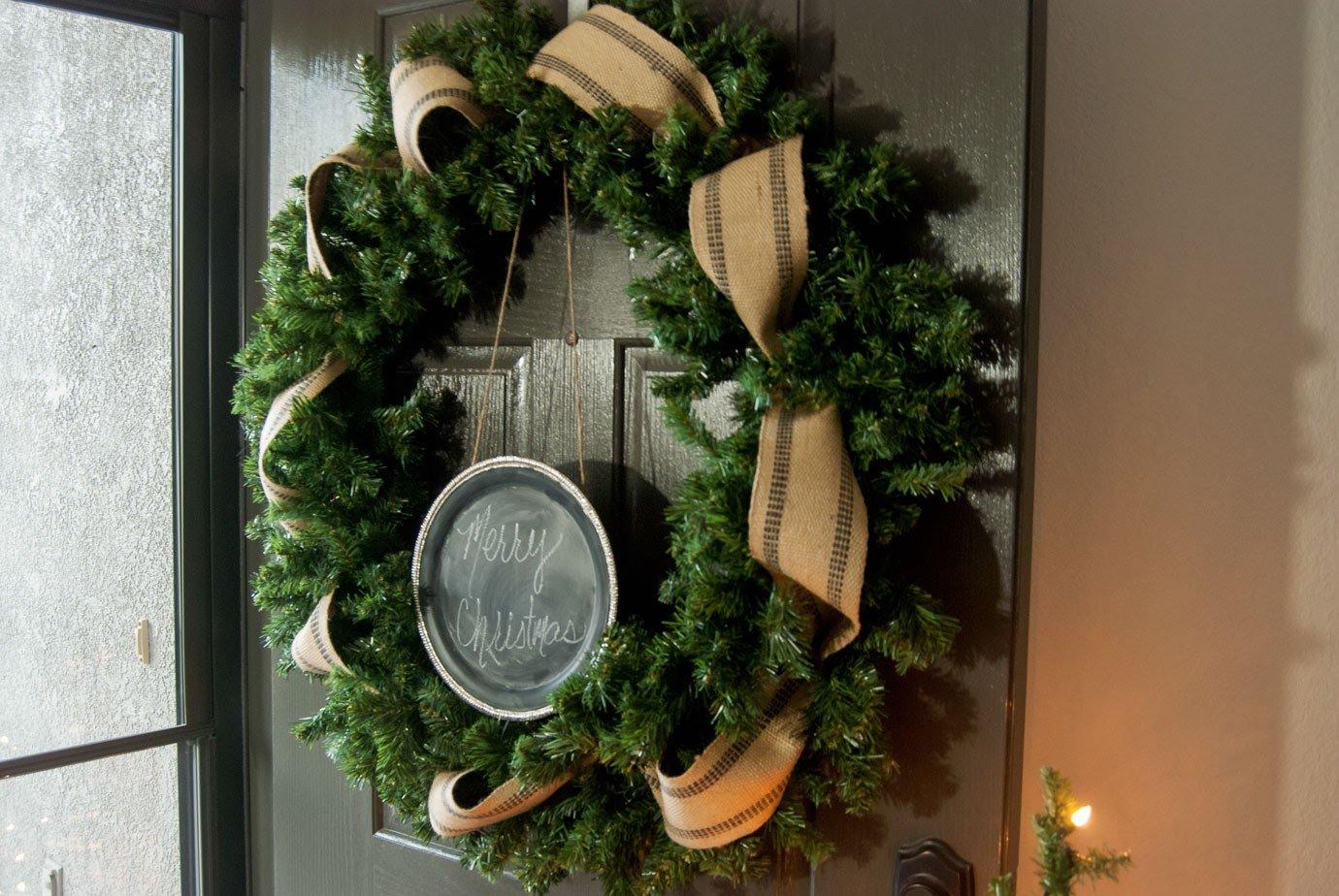 How to make a simple and easy farmhouse Christmas wreath