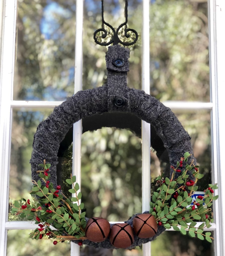 How to turn thrift store finds into a Christmas door decoration