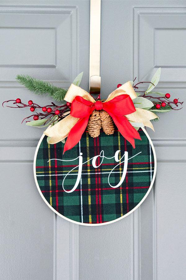 Embroidery Hoop Christmas Wreath