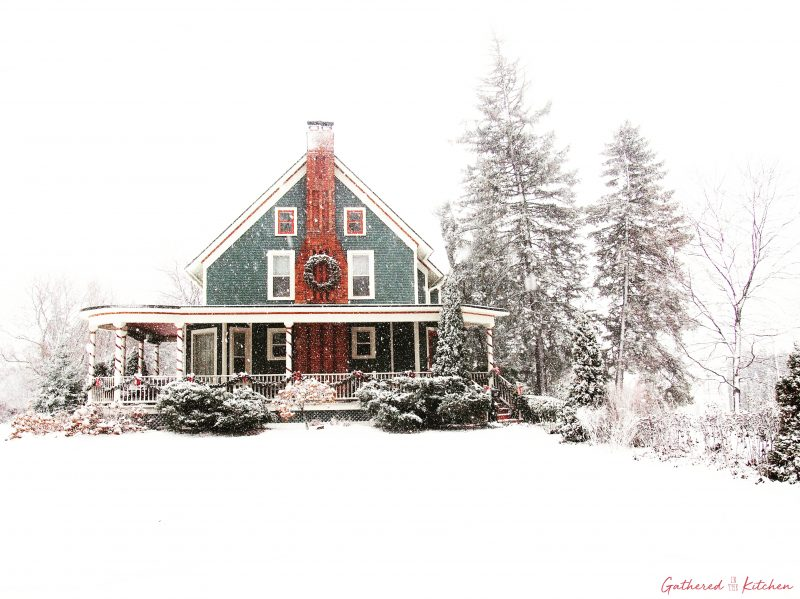1886 Victorian Home in the snow