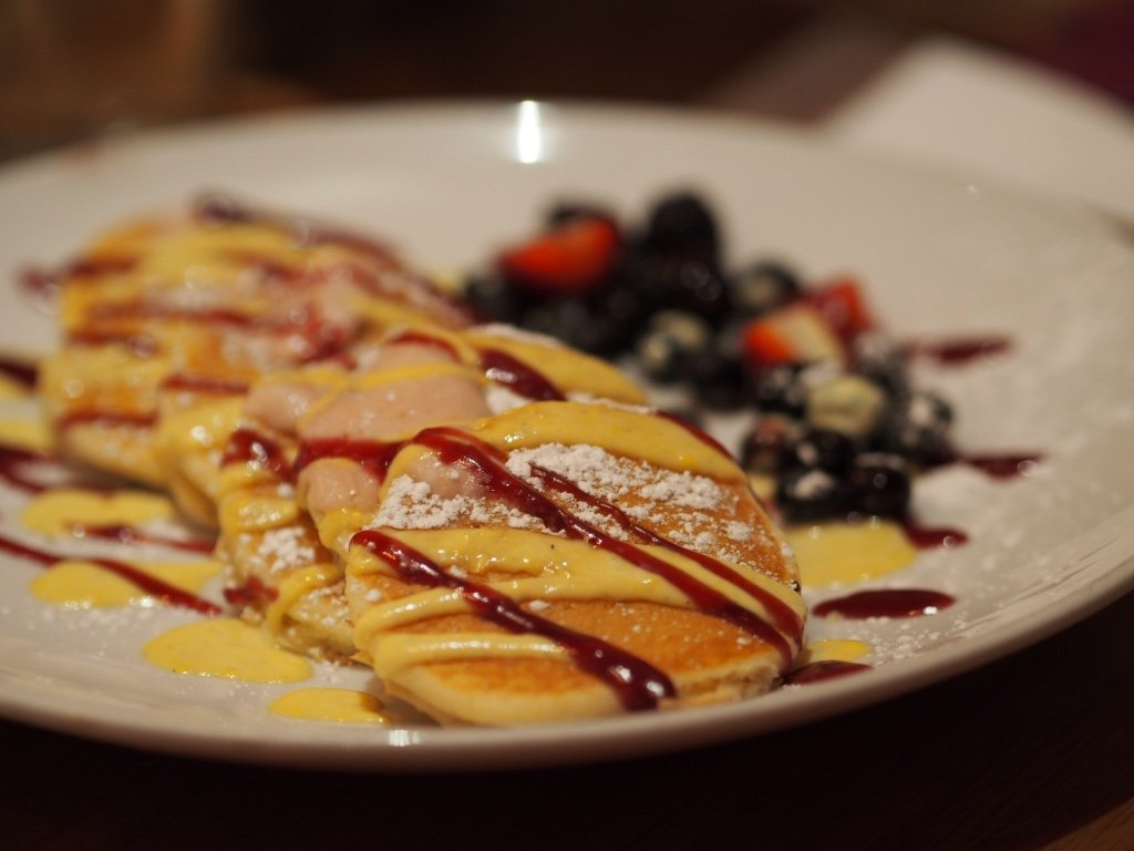 Best Breakfast Cafe in Chicago, Wildberry Pancakes and Cafe