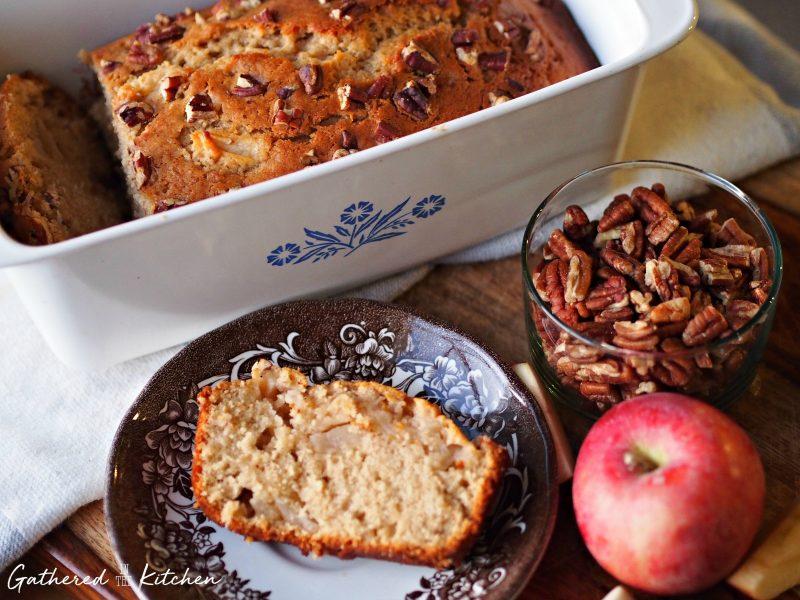 cinnamon apple pie bread with pecans
