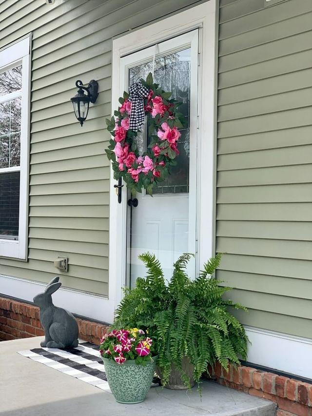 Easy Spring Decor for Outdoor Porch