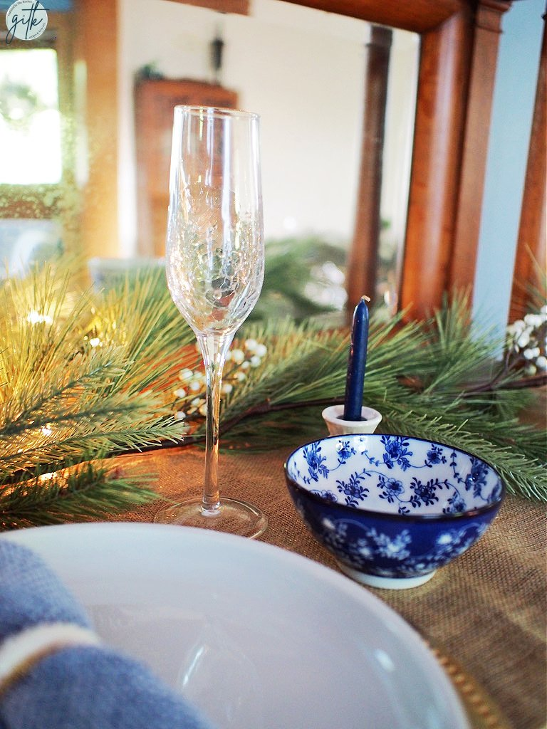 Blue and White Tablescape Ideas for Christmas Dinner