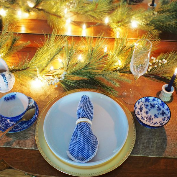 Blue & White Christmas Tablescape Ideas