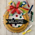 How to make a wreath with crayons